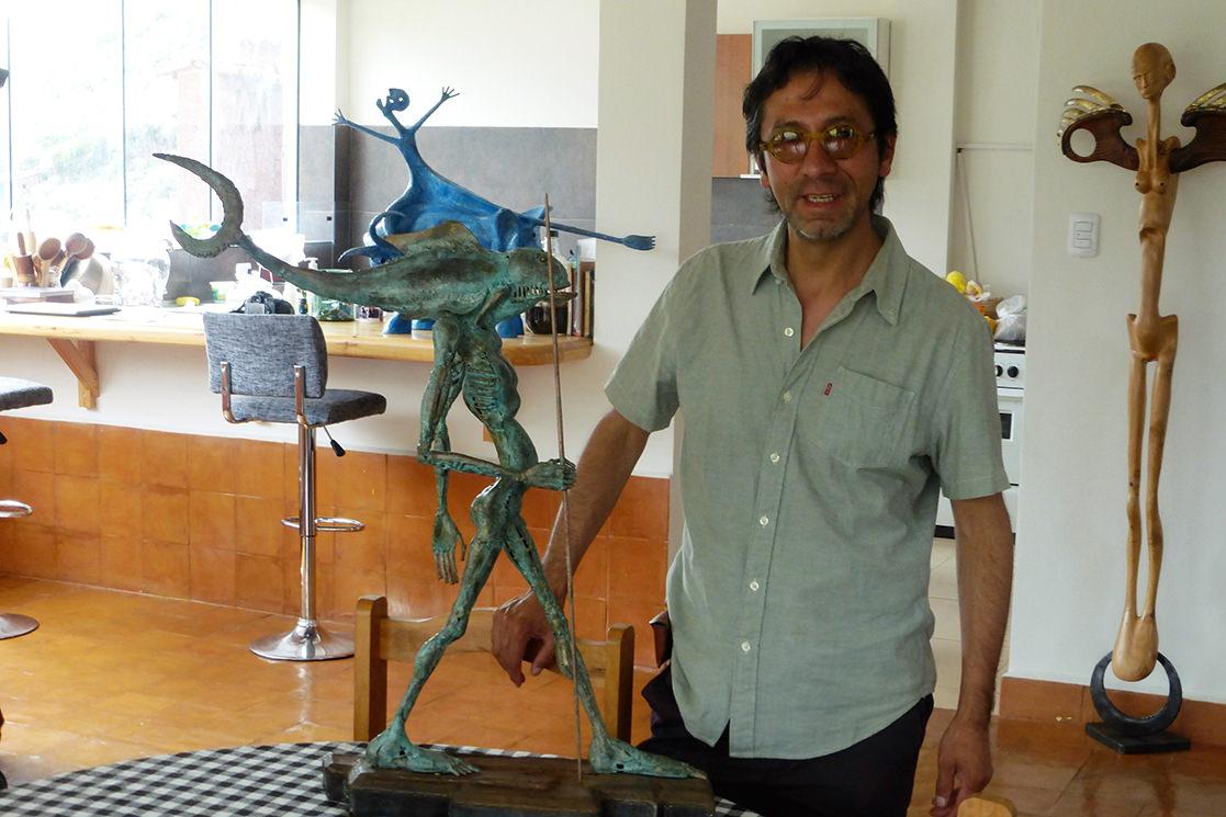 Sculptor Carlos Olivera - Andean Spirit Destinations