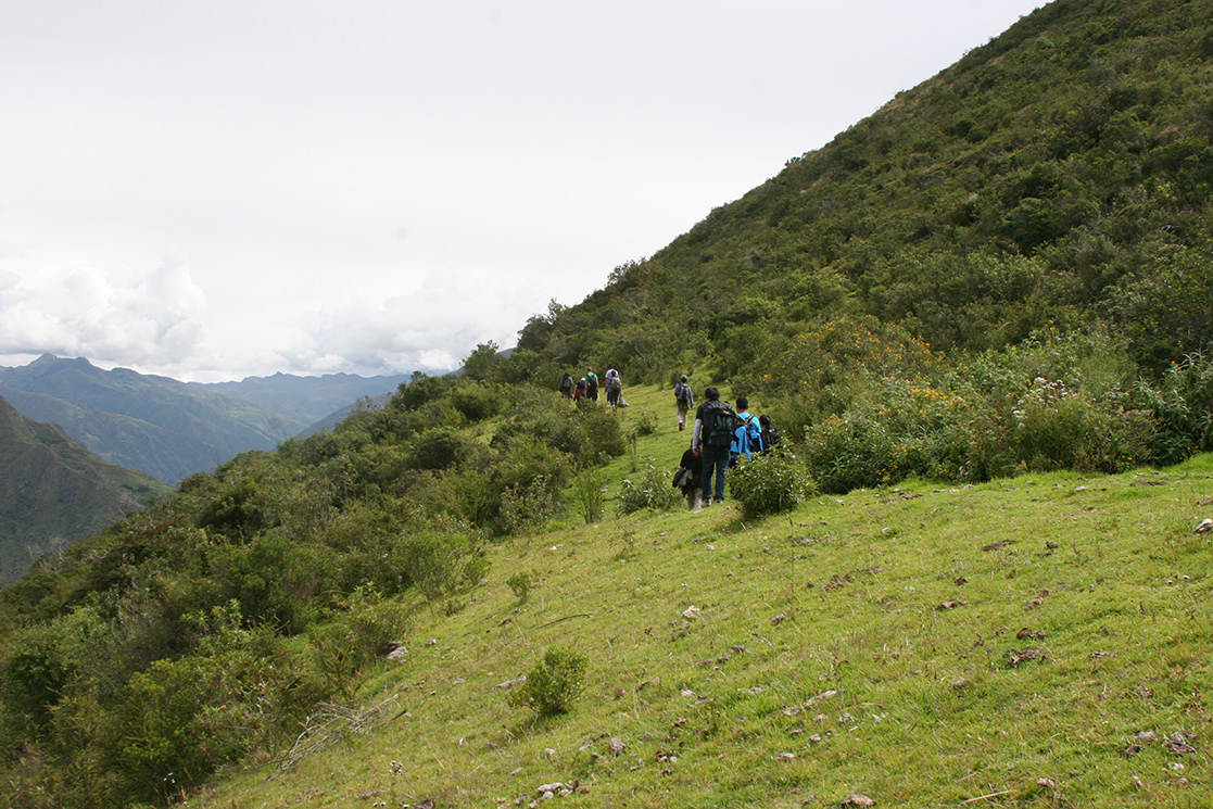 Hiking to the Condor Viewpoint - Andean Spirit